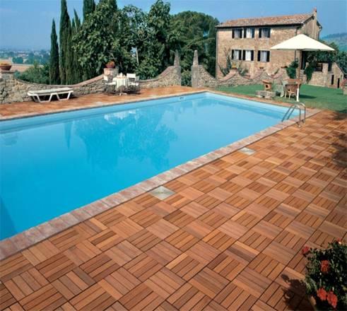Il parquet per esterno la casa del parquet puglia - Piastrelle per piscina ...